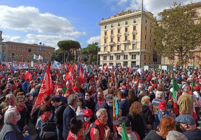 Il mondo del lavoro torna in piazza contro il fascismo e per la piena occupazione